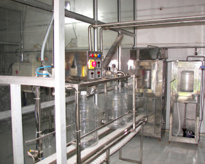 20 Lre Jar Rinsing Filling Capping Machine.